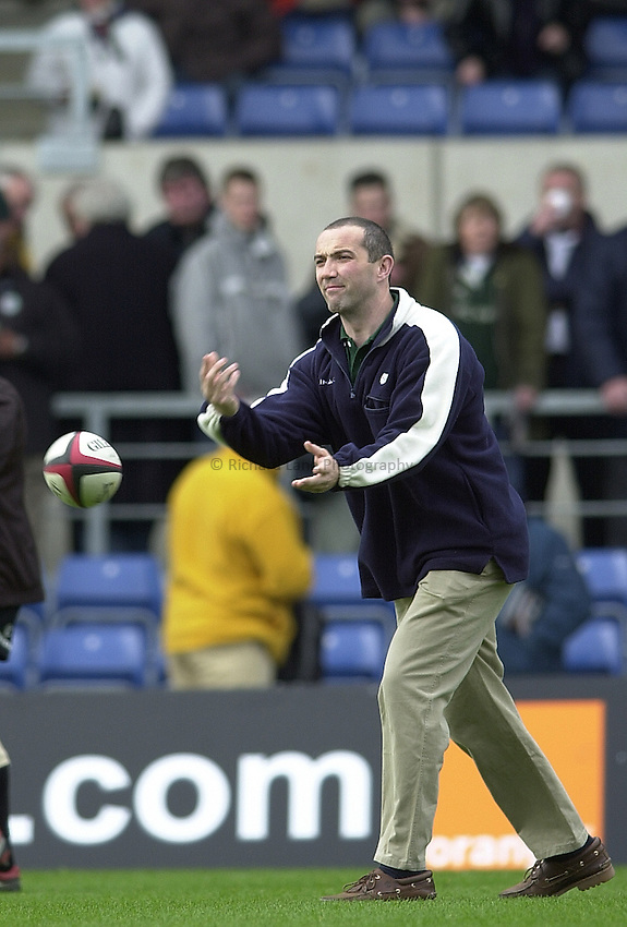 Photo Peter Spurrier..23/04/2002.Sport - Rugby.Parker Pen Shield - Kassam Stadium - Oxford.  Parker Pen Shield Semi-finals.London Irish v Pontypridd.London Irish directer of rugby - Conor O'Shea..