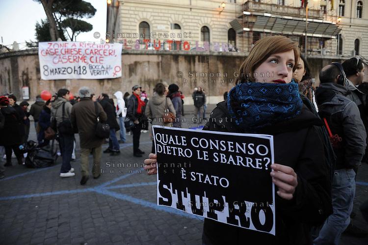 Roma,8 Marzo 2011.Piazza Bocca della Verità.Corteo notturno dei movimenti e dei collettivi di femministe e lesbiche contro la violenza maschile