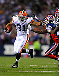 17 November 2008:  Cleveland Browns' running back Jamal Lewis rushes for an 8 yard gain in the second quarter against the Buffalo Bills at Ralph Wilson Stadium in Orchard Park, NY. The Browns defeated the Bills 29-27 in the Monday Night AFC matchup. *** Editorial Sales Only ****..Mandatory Photo Credit: Ed Wolfstein Photo