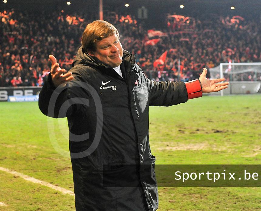 KV Kortrijk - AA Gent : kortrijk-trainer Hein Vanhaezebrouck.foto VDB / BART VANDENBROUCKE