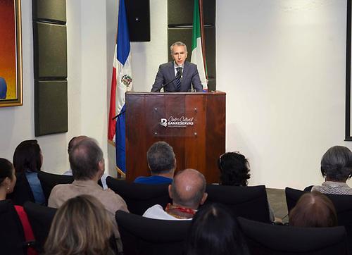 El representante del embajador de Italia, Paolo Deruda, agradeció la muestra que celebra las relaciones entre Italia y República Dominicana.