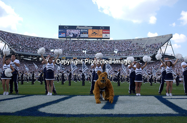 04 September 2004:..Penn State defeated Akron 48-10 during their season opener 9-4-04 at Beaver Stadium in State College, PA..Mandatory Credit: Randy Litzinger..