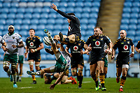 5th January 2020; Ricoh Arena, Coventry, West Midlands, England; English Premiership Rugby, Wasps versus Northampton Saints; Jacob Umaga of Wasps and Tom Collins of Northampton Saints collide in the air challenging for the ball - Editorial Use