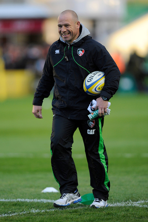 Richard Cockerill, Leicester Tigers Director of Rugby, enjoys a joke with Conor O'Shea, Harlequins Director of Rugby, before the Aviva Premiership match between Harlequins and Leicester Tigers at the Twickenham Stoop on Friday 18th April 2014 (Photo by Rob Munro)