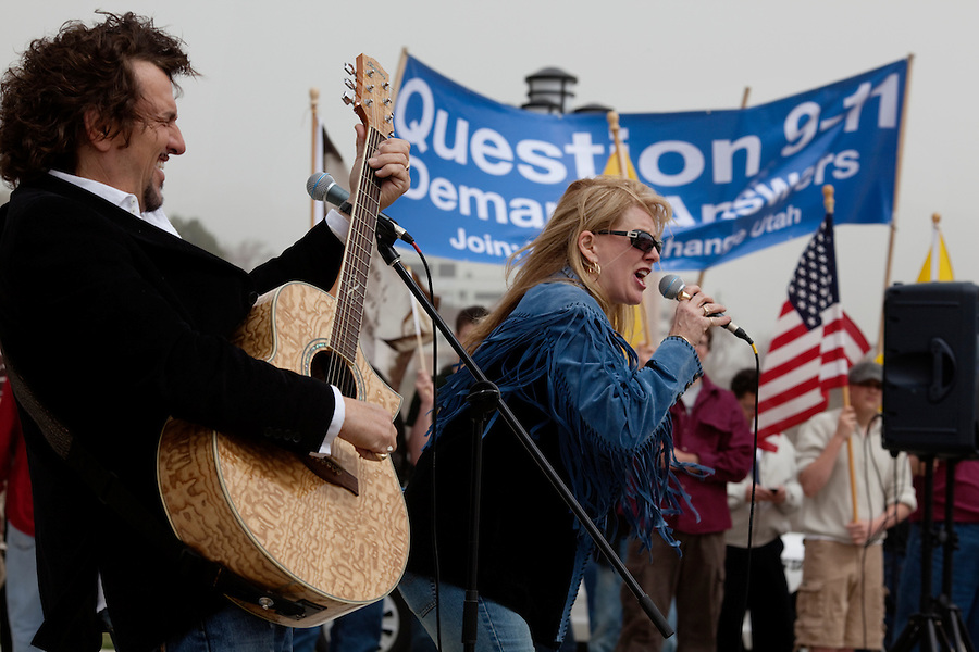 Salt Lake City, Utah, March 30, 2010 - Members of the Rivoli Revue, Ron Rivoli (left) and Kay Rivoli (singing) perform during at a Tea Party Express rally on the steps of the Utah Capitol Building for the seventh stop in their 43-city tour across the country.