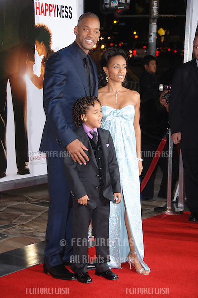 "WILL SMITH & wife JADA PINKETT SMITH & son JADEN CHRISTOPHER SYRE SMITH (8) at the world premiere of ""The Pursuit of Happyness"" at the Mann Village Theatre, Westwood. Will Smith stars in the movie with his youngest son Jaden..December 7, 2006  Los Angeles, CA.Picture: Paul Smith / Featureflash"