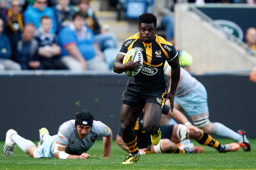 Photo: Richard Lane/Richard Lane Photography. Wasps v Northampton Saints. Pre Season Friendly. 04/10/2015. Wasps' Christian Wade attacks.
