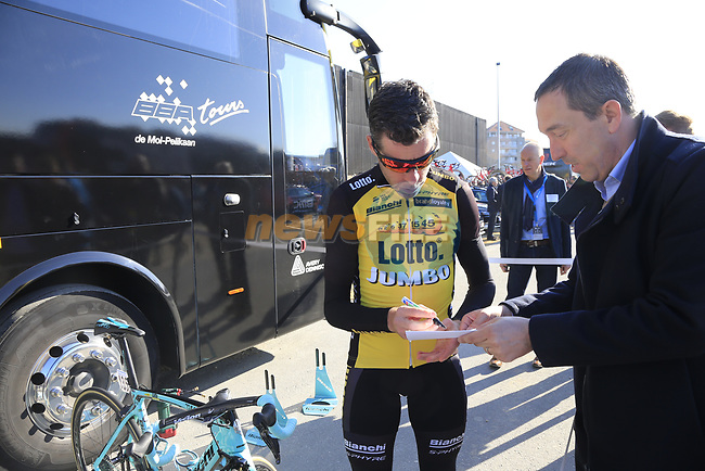 Bram Tankink (NED) Team Lotto NL-Jumbo at the team bus before the start of Gent-Wevelgem in Flanders Fields 2017, running 249km from Denieze to Wevelgem, Flanders, Belgium. 26th March 2017.<br /> Picture: Eoin Clarke | Cyclefile<br /> <br /> <br /> All photos usage must carry mandatory copyright credit (&copy; Cyclefile | Eoin Clarke)