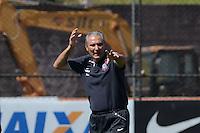 SÃO PAULO,SP, 14.09.2013 TREINO/CORINTHIANS/SP -  Tite durante treino do Corinthians no CT Joaquim Grava na zona leste de Sao Paulo. (Foto: Alan Morici /Brazil Photo Press).