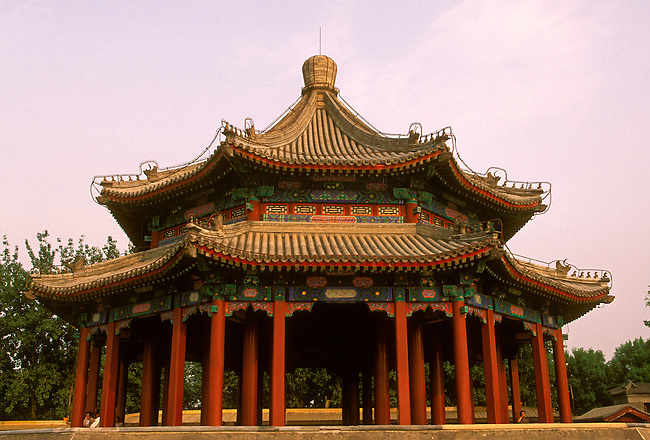Pavilion at the Summer Palace (Yiheyuan), Beijing, Beijing Municipality, China, Asia