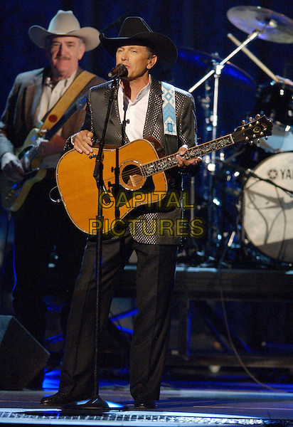 GEORGE STRAIT.2007 CMA Awards, Country Music's Biggest Night, held at the Sommet Center, Nashville, Tennessee, USA, .07 November 2007..live show on stage full length .CAP/ADM/LF.©Laura Farr/AdMedia/Capital Pictures.