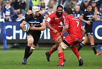 Dave Attwood of Bath Rugby in possession. Heineken Champions Cup match, between Bath Rugby and Stade Toulousain on October 13, 2018 at the Recreation Ground in Bath, England. Photo by: Patrick Khachfe / Onside Images