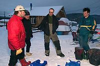 V.Halter,E.Iten,R.Brooks Talk at Takotna Checkpoint<br /> 2004 Iditarod