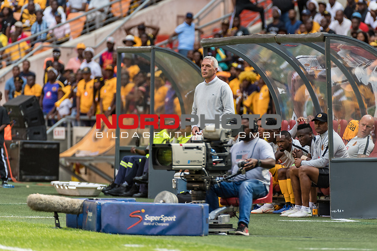 05.01.2019, FNB Stadion/Soccer City, Nasrec, Johannesburg, RSA, Premier League, Kaizer Chiefs FC vs Mamelodi Sundowns FC<br /> <br /> im Bild / picture shows <br /> Ernst Middendorp (Manager / Head Coach / Trainer Kaizer Chiefs FC) <br /> during Matchday Kaizer Chiefs FC vs Mamelodi Sundowns FC, <br /> <br /> Foto © nordphoto / Ewert
