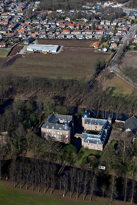 Nederland, Noord-Limburg, Gemeente Bergen, 07-03-2010; Kasteel Well, waterburcht. Nu in gebruik bij Emerson College (internationale school).luchtfoto (toeslag), aerial photo (additional fee required).foto/photo Siebe Swart