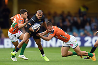 Jonathan Joseph of Bath Rugby takes on the Benetton Rugby defence. European Rugby Champions Cup match, between Bath Rugby and Benetton Rugby on October 14, 2017 at the Recreation Ground in Bath, England. Photo by: Patrick Khachfe / Onside Images