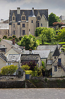 France, Indre-et-Loire (37), Vallée de la Loire classée Patrimoine Mondial de l'UNESCO, Candes-Saint-Martin, labellisé Les Plus Beaux Villages de France, village au bord de la Vienne // France, Indre et Loire, Loire Valley listed as World Heritage by UNESCO, Candes Saint Martin, labelled Les Plus Beaux Villages de France (The Most Beautiful Villages of France), village along the Vienne