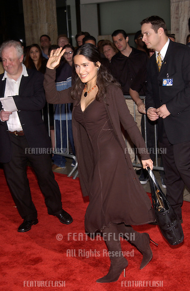 Actress SALMA HAYEK at the Los Angeles premiere of The Recruit..28JAN2003.   © Paul Smith / Featureflash