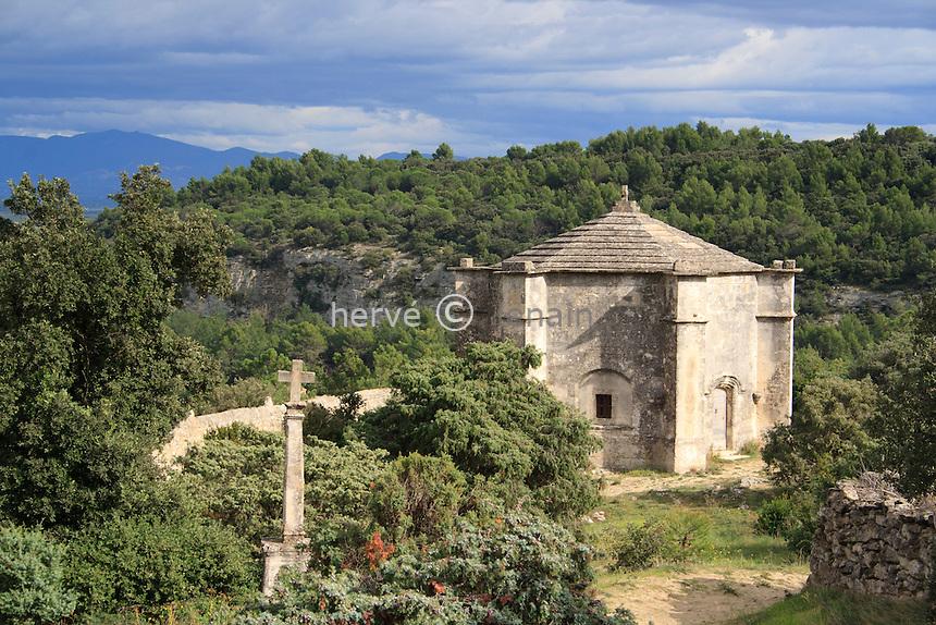 France, Drôme (26), Saint-Restitut, chapelle Saint-Sépulcre de forme octogonale // France, Drome, Saint Restitut, chapel St Sépulcre of octagonal shape