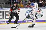 Augsburgs Hans Detsch (Nr.89) am Puck beim Spiel in der DEL, Adler Mannheim (blau) - Augsburger Panther (weiss).<br /> <br /> Foto &copy; PIX-Sportfotos *** Foto ist honorarpflichtig! *** Auf Anfrage in hoeherer Qualitaet/Aufloesung. Belegexemplar erbeten. Veroeffentlichung ausschliesslich fuer journalistisch-publizistische Zwecke. For editorial use only.