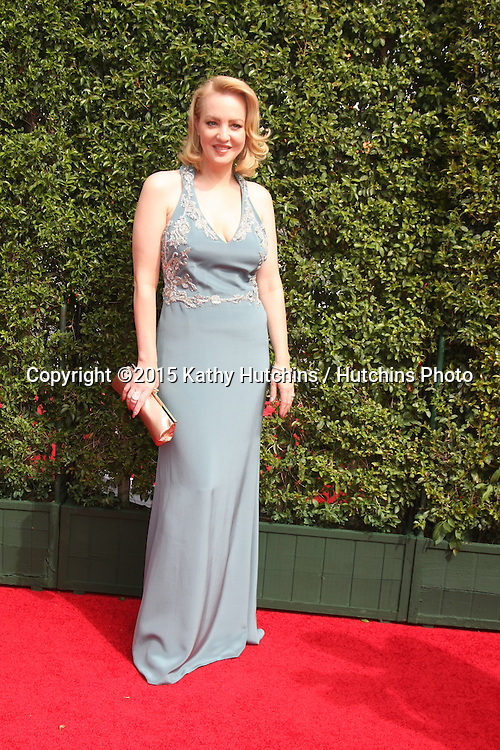 vLOS ANGELES - SEP 12:  Wendi McLendon-Covey at the Primetime Creative Emmy Awards Arrivals at the Microsoft Theater on September 12, 2015 in Los Angeles, CA