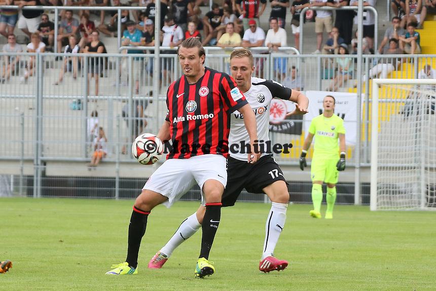 Alex Meier (Eintracht) gegen Florian Hübner (SVS)