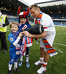 Lee McCulloch and his boys playing with my cameras