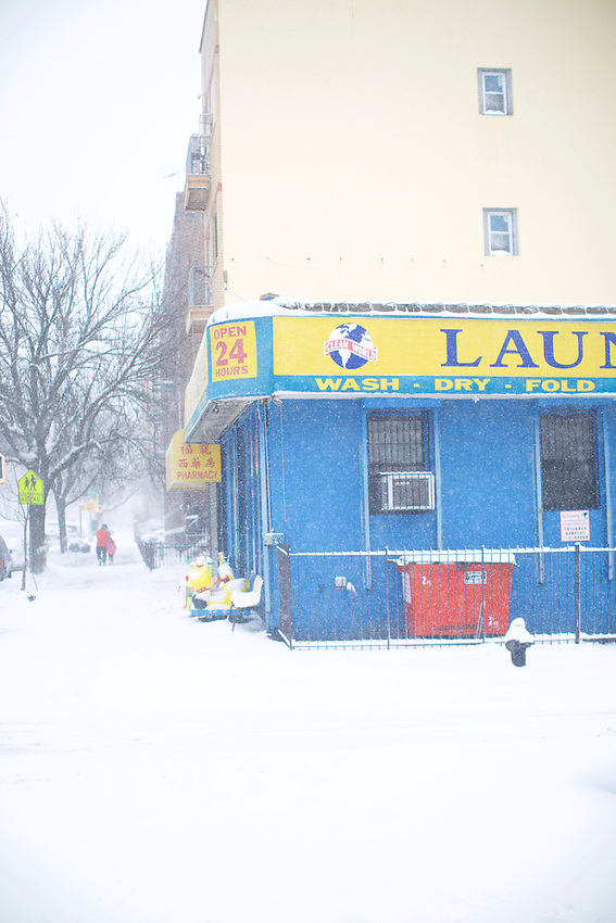 BROOKLYN, NY - February 9, 2017: A snowy day in Sunset Park.<br /> <br />  <br /> Credit: Clay Williams.<br /> <br /> &copy; Clay Williams / http://claywilliamsphoto.com
