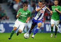 FUSSBALL   1. BUNDESLIGA   SAISON 2011/2012    7. SPIELTAG SV Werder Bremen - Hertha BSC Berlin                   25.09.2011 Aleksandar IGNJOVSKI (li, Bremen) gegen Aenis BEN-HATIRA (re, Berlin)