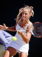 1-7-08, England, Wimbledon, Tennis, Arantxa Rus