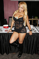 Perla [Amateur Community] at Exxxotica, Broward County Convention Center, Fort Lauderdale, FL, Friday May 2, 2014.