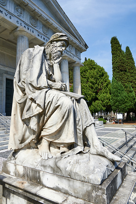 Picture and image of the stone sculpture of a Job (Giobbe) on the steps of the Parthenon by  G Benetti 1872. The monumental tombs of the Staglieno Monumental Cemetery, Genoa, Italy