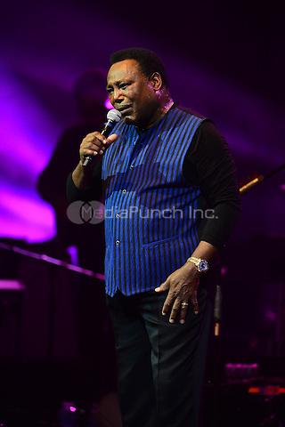 HOLLYWOOD, FL - MAY 10: George Benson performs onstage at Hard Rock Live at Seminole Hard Rock Hotel & Casino – Hollywood on MAY 10, 2016 in Hollywood, Florida. Credit: MPI10 / MediaPunch