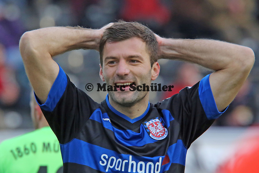Edmond Kapllani (FSV) nach verpasster Chance- FSV Frankfurt vs. TSV 1860 München Frankfurter Volksbank Stadion