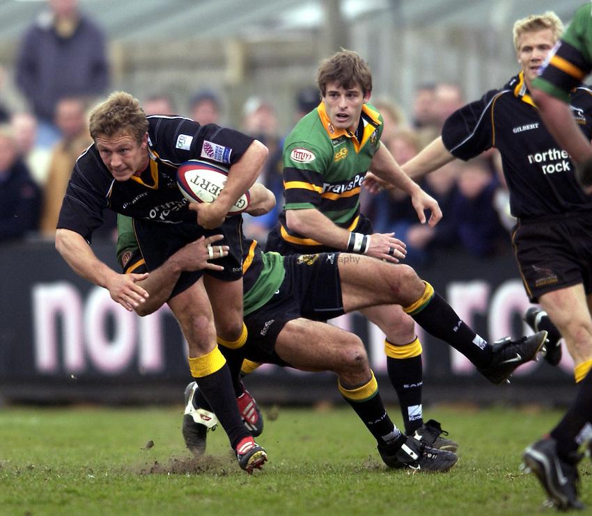 .Photo. Jed Wee.Newcastle Falcons v Northampton, Zurich Premiership, Kingston Park, Newcastle. 20/04/2003..Newcastle's Jonny Wilkinson (L).
