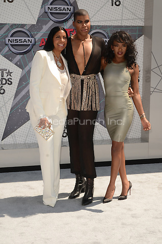 LOS ANGELES, CA - JUNE 26: Coockie Johnson, EJ johnson and Alisa Johnson at the 2016 BET Awards at the Microsoft Theater on June 26, 2016 in Los Angeles, California. Credit: David Edwards/MediaPunch