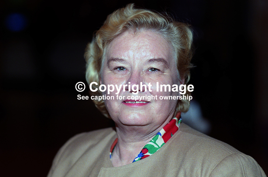 Gwyneth Dunwoody, MP, Labour Party, UK, taken annual conference, October 1992. 19921021GD..Copyright Image from Victor Patterson, 54 Dorchester Park, Belfast, UK, BT9 6RJ..Tel: +44 28 9066 1296.Mob: +44 7802 353836.Voicemail +44 20 8816 7153.Skype: victorpattersonbelfast.Email: victorpatterson@me.com.Email: victorpatterson@ireland.com (back-up)..IMPORTANT: If you wish to use this image or any other of my images please go to www.victorpatterson.com and click on the Terms & Conditions. Then contact me by email or phone with the reference number(s) of the image(s) concerned.