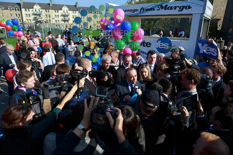 A general view of the Campaign.<br /> First Minister Alex Salmond and Deputy First Minister. Nicola Sturgeon join with figures from across the Yes movement. <br /> They  &quot;campaign for the full powers that only a Yes vote can guarantee&quot;. Amongst other members of the grassroots campaign they  <br /> join Jim Sillars and the Margo mobile, which has been touring communities of Scotland.<br /> Pako Mera/Universal News And Sport (Europe) 10/09/2014