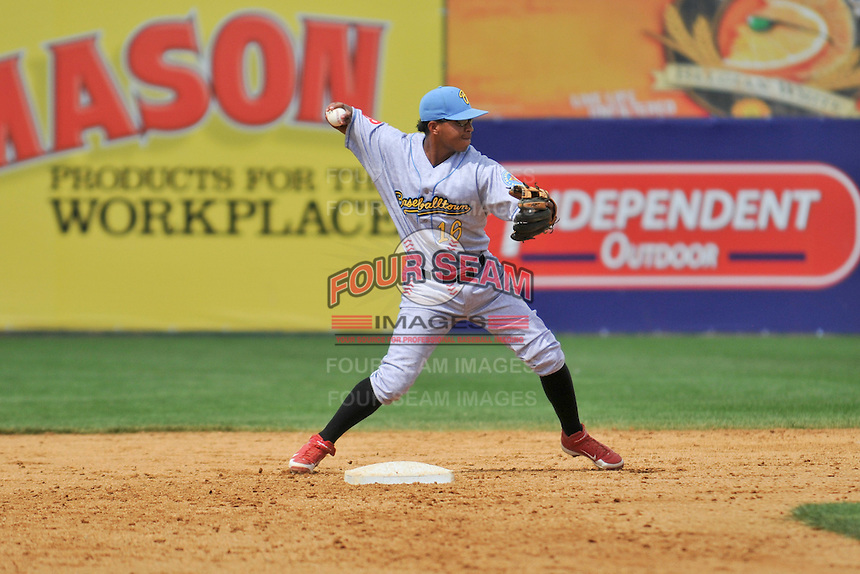 Shortstop Edgar Duran (16) of the Reading Fightin Phils throws to first base during a game against the New Britain Rock Cats at New Britain Stadium on June 22, 2014 in New Britain, Connecticut.   New Britain defeated Reading 5-3. (Gregory Vasil/Four Seam Images)