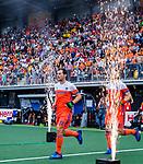 Den Bosch  - Sander Baart (Ned) betreedt het veld voor   de Pro League hockeywedstrijd heren, Nederland-Belgie (4-3).    COPYRIGHT KOEN SUYK