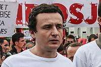 KOSOVO Pristina 9 maggio 2008  Manifestazione di protesta del movimento nazionalista albanese-kosovaro Vetevendosje ( Autodeterminazione)  In prima fila il leader Albin Kurti