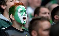 FUSSBALL   1. BUNDESLIGA   SAISON 2012/2013    33. SPIELTAG SV Werder Bremen - Eintracht Frankfurt                   11.05.2013 Bemalter Fan in der Ostkurve