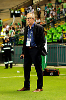 PALMIRA - COLOMBIA - 03 - 03 - 2018: Gerardo Pelusso, técnico de Deportivo Cali, durante partido entre Deportivo Cali y Rionegro Aguilas Doradas de la fecha 6 por la liga Aguila I 2018, jugado en el estadio Deportivo Cali (Palmaseca) en la ciudad de Palmira. / Gerardo Pelusso, coach of Deportivo Cali, during a match between Deportivo Cali and Rionegro Aguilas Doradas of the 6th date for the Liga Aguila I 2018, at the Deportivo Cali (Palmaseca) stadium in Palmira city. Photo: VizzorImage  / Nelson Rios / Cont.