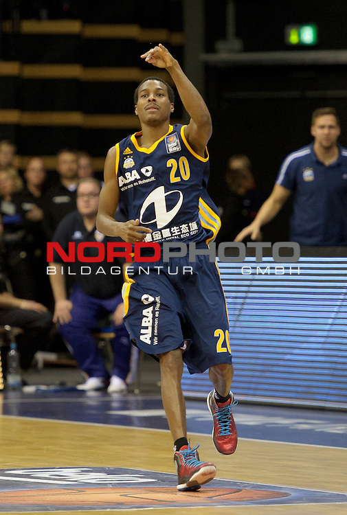 30.11.2014, EWE Arena, Oldenburg, GER, BBL, EWE Baskets Oldenburg vs ALBA BERLIN, im Bild Alex Renfroe (Berlin #20)<br /> <br /> Foto &copy; nordphoto / Frisch