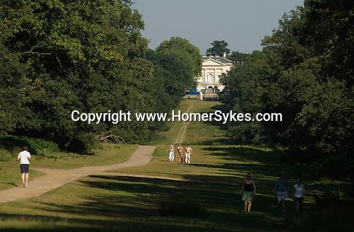 White Lodge tourists Richmond Park. Richmond Upon Thames Surrey Richmond Upon Thames, Surrey, England 2007