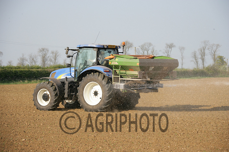 19.4.2011 Applying Nitrogen to young sugar beet plants.©Tim Scrivener 07850 303986