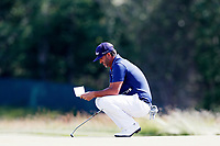 Scott Piercy (USA) lines up a putt on the second hole during the third round of the 118th U.S. Open Championship at Shinnecock Hills Golf Club in Southampton, NY, USA. 16th June 2018.<br /> Picture: Golffile | Brian Spurlock<br /> <br /> <br /> All photo usage must carry mandatory copyright credit (&copy; Golffile | Brian Spurlock)