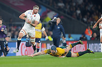 Tom Wood of England accelerates past David Pocock of Australia during Match 26 of the Rugby World Cup 2015 between England and Australia - 03/10/2015 - Twickenham Stadium, London<br /> Mandatory Credit: Rob Munro/Stewart Communications