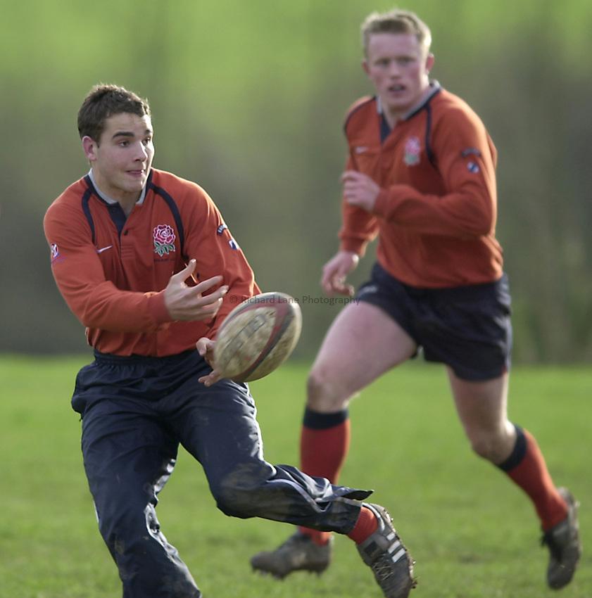 England Under 21's training.  Warwick University..Photo. Richard Lane..14-2-2002.Oliver Barkley running and passing