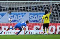 FUSSBALL   1. BUNDESLIGA   SAISON 2012/2013   17. SPIELTAG   TSG 1899 Hoffenheim - Borussia Dortmund      16.12.2012           Sven Schipplock (li, TSG 1899 Hoffenheim) erzielt hier den 1-1 Ausgleich gegen Mats Hummels (Borussia Dortmund)